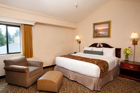 Best Western Plus Inn At The Vines - Loft Suite with King Bed