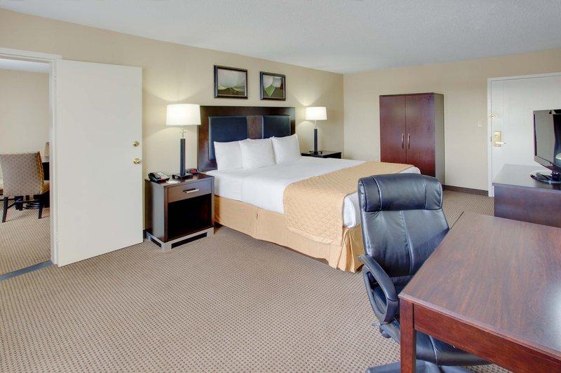 La Quinta Inn & Suites Manchester - Manchester, NH