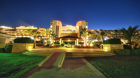 Sheraton Sharm Hotel, Resort, Villas & Spa - Exterior At Night