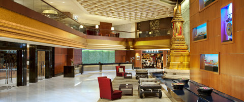 Royal Orchid Sheraton Hotel & Towers - Lobby