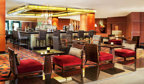 Royal Orchid Sheraton Hotel & Towers - Lobby Lounge