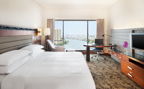 Royal Orchid Sheraton Hotel & Towers - Deluxe Premium River View Room