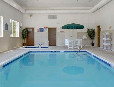Baymont Inn & Suites Chicago/Calumet City Hotel - Pool