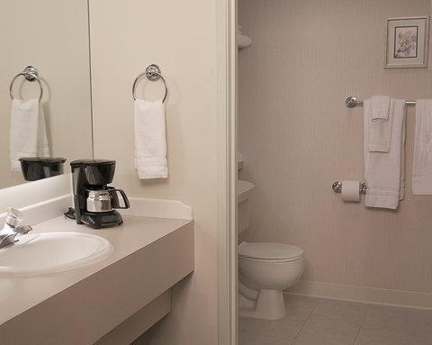 Bear Lodge - Guest Bathroom