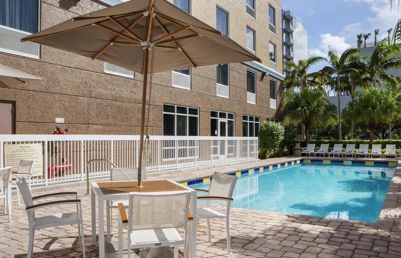 Hampton Inn Hallandale Beach/Aventura, FL Poolansicht