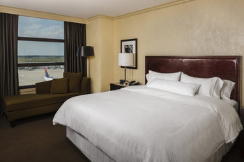 The Westin Detroit Metro Airport - Room