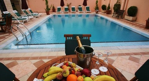Imperial Palace Hotel - Pool