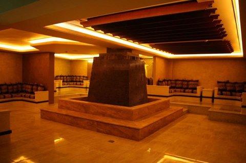 Seven Wonders Hotel - entrance