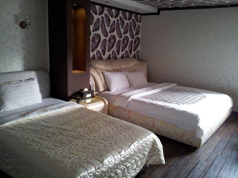 Diamond Hotel - standard room