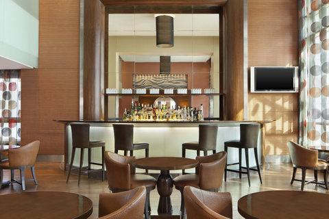 فندق فور بوينتس باي شيراتون لي فيردون  - Bar