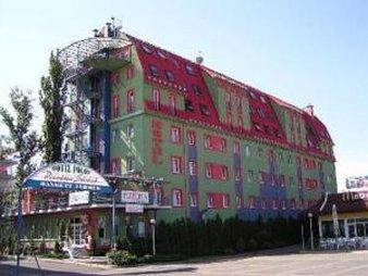 Polus Hotel - SCHPExterior