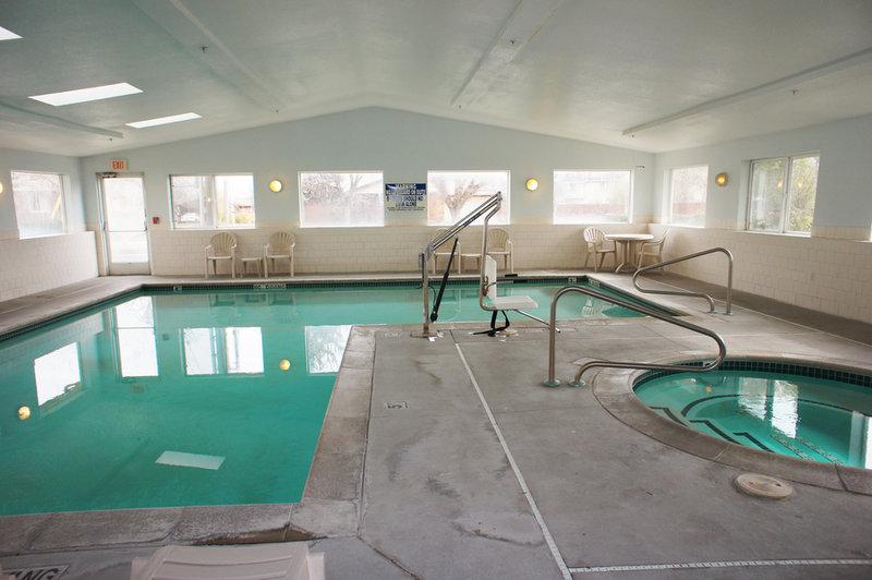 La Quinta Inn Salt Lake City West 游泳池视图
