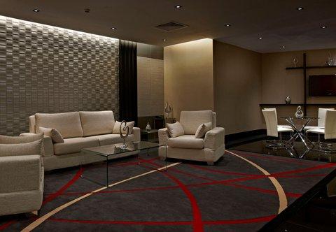 Renaissance Kuala Lumpur Hotel - R Studios Pre-Function Foyer