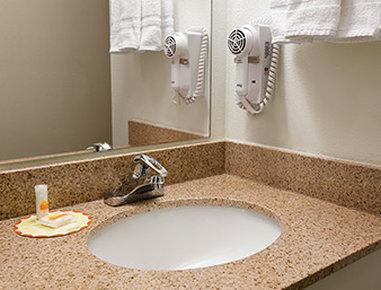 Days Inn Alamosa - Bathroom