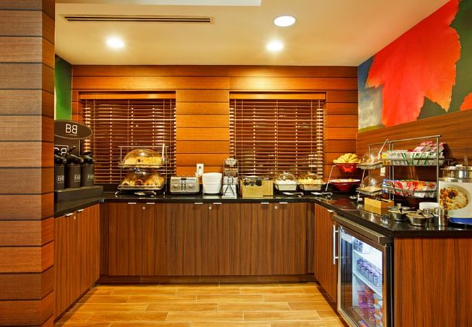 Fairfield Inn and Suites by Marriott Lake Oswego Gastronomia