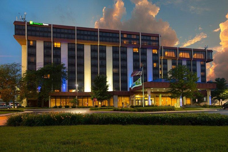 Holiday Inn Express Hotel & Suites Chicago o`Hare Widok z zewnątrz