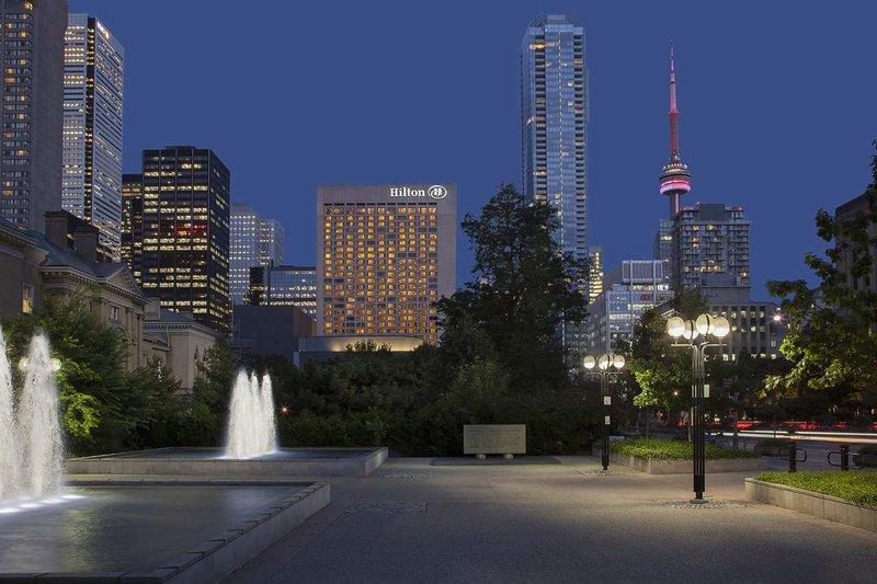 Hilton Toronto Widok z zewnątrz