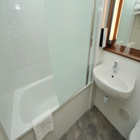 Campanile Nice Airport - bathroom