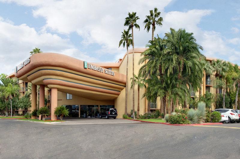 Embassy Suites Phoenix - Biltmore Set udefra