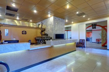 Best Western Plus Dragon Gate Inn - Lobby