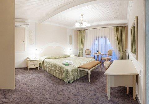 Raigond Hotel - Deluxe Room
