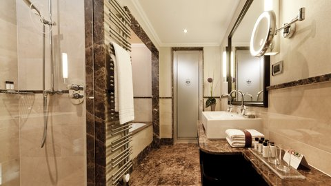 Parkhotel Euskirchen - Bathroom at AMERON Parkhotel Euskirchen