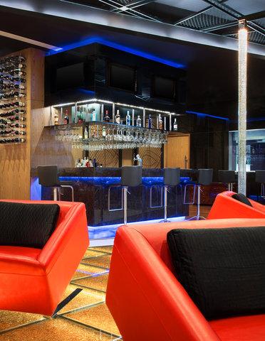 Le Meridien Bangalore - Sports Bar