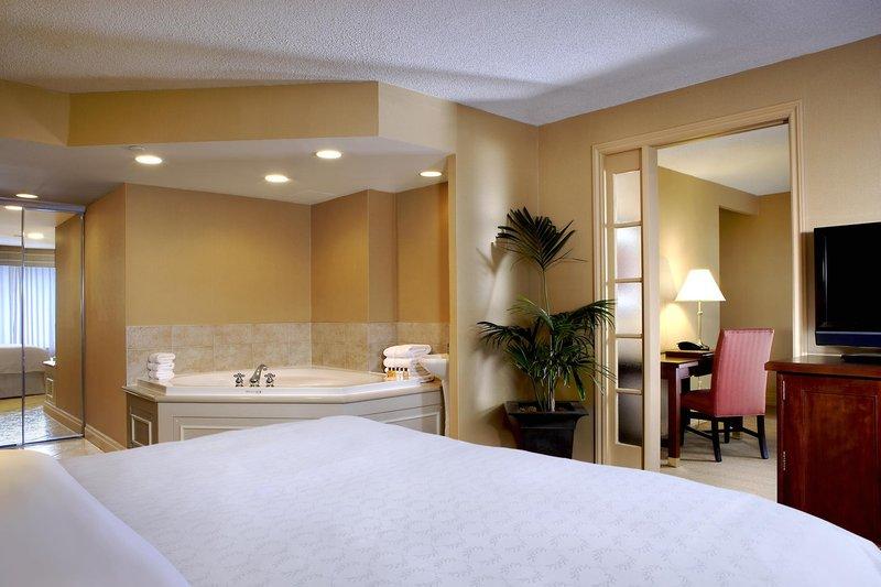 Sheraton Centre Toronto Hotel Suite
