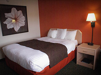 AmericInn of Ironwood - Room