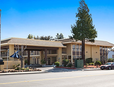 DAYS INN BY WYNDHAM GILROY