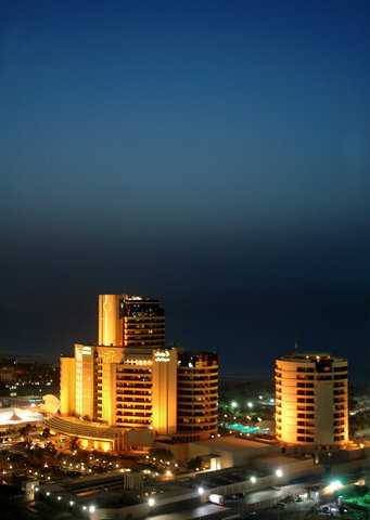 فندق الرويال ماريديان - Exterior By Night