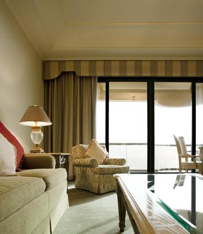 فندق الرويال ماريديان - Royal Club Suite Living Room
