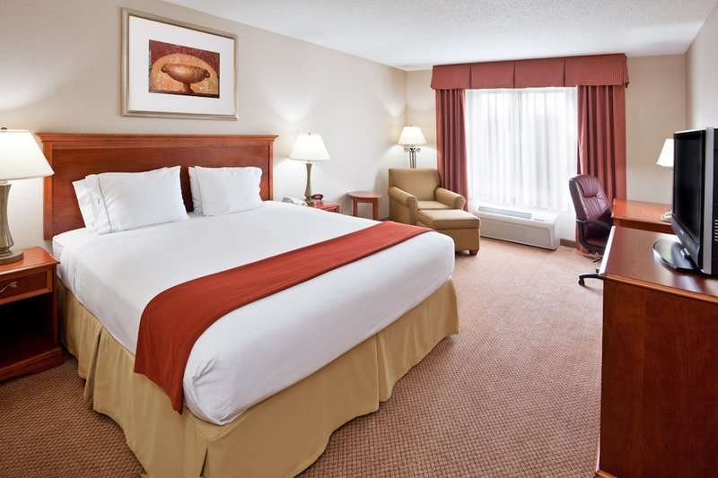 Holiday Inn Express & Suites DETROIT - UTICA - Utica, MI