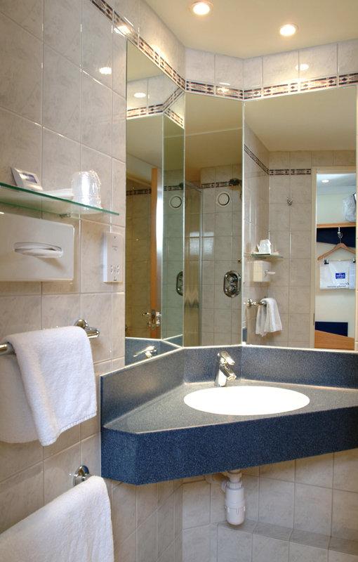 Holiday Inn Express Canterbury View of room