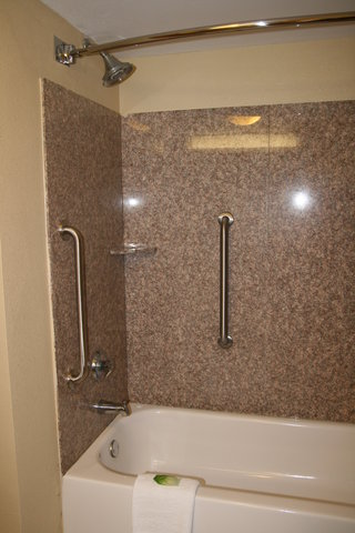 Holiday Inn Express & Suites GREENVILLE - Guest Bathroom  1