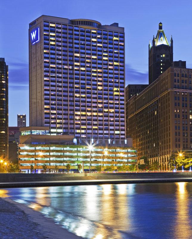 Sheraton Grand Chicago Restaurants Nearby