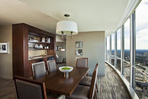The Westin Peachtree Plaza, Atlanta - Portman Suite Living Area