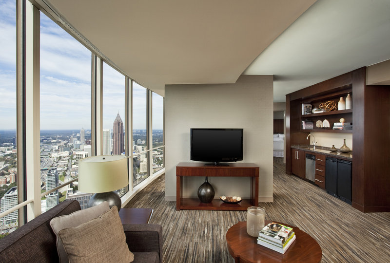 The Westin Peachtree Plaza, Atlanta Suite