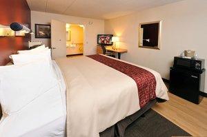 Room - Red Roof Inn Western Michigan University Kalamazoo