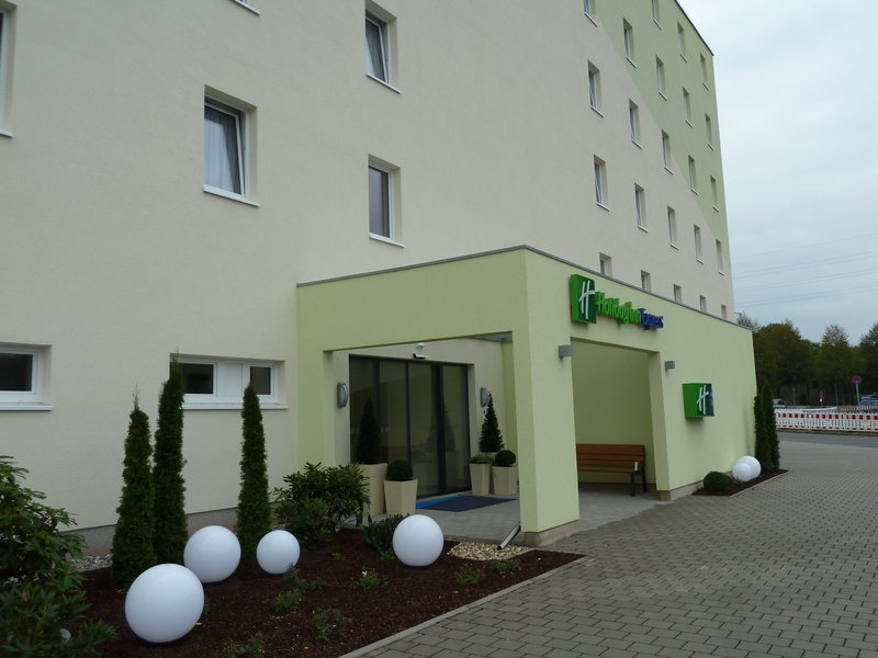 Holiday Inn Express Neunkirchen Außenansicht