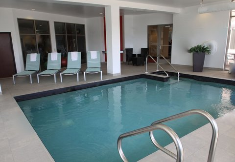 SpringHill Suites Green Bay - Indoor Pool