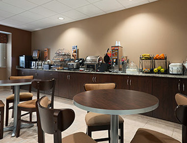 Microtel Inn & Suites by Wyndham Fairmont - Breakfast Area