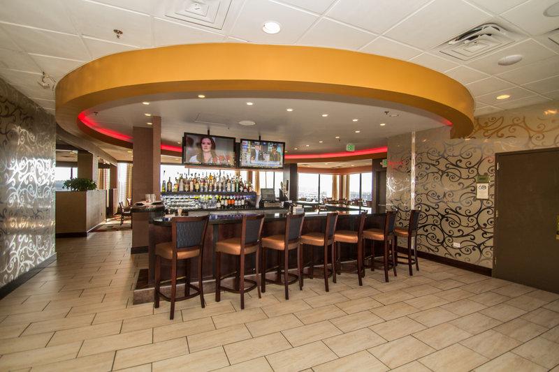Crowne Plaza Hotel  Dayton Bar/Lounge