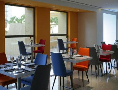 فندق وأجنحة هوثورن من ويندهام - Restaurant