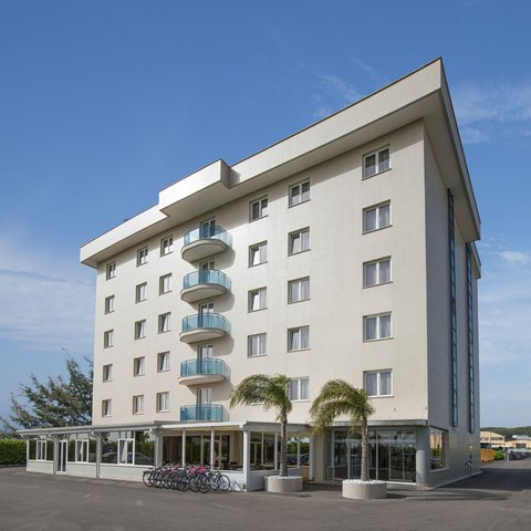 Hotel Simon - Hotel Exterior