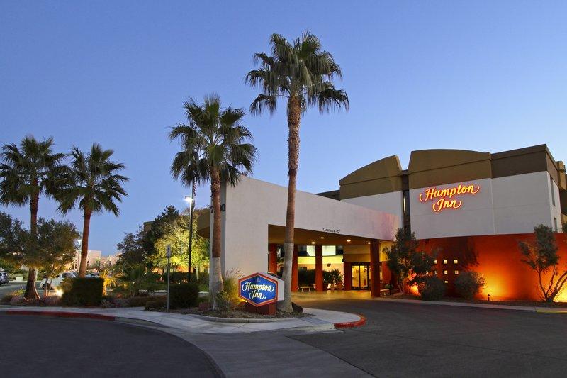 Hampton Inn Las Vegas Вид снаружи