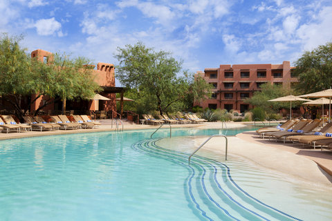 Sheraton Wild Horse Pass Resort & Spa - Poolside