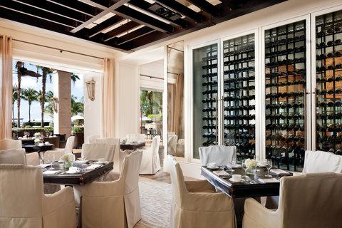 The Ritz-Carlton, Grand Cayman - Seven Restaurant