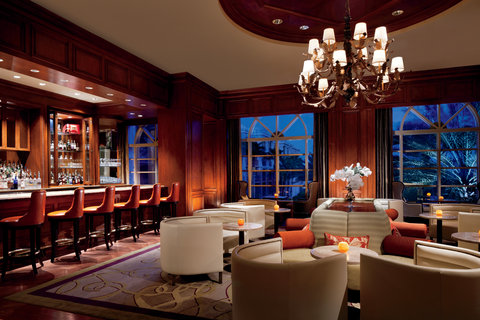 The Ritz-Carlton, Grand Cayman - Silver Palm Lounge Bar