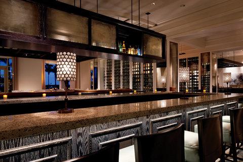 The Ritz-Carlton, Grand Cayman - Seven Restaurant Bar